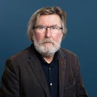 Lang fartstid innenfor fagfeltet: Ivar Frønes er professor i sosiologi ved Universitetet i Oslo og seniorforsker ved NUBU. Foto: Moment Studio.
