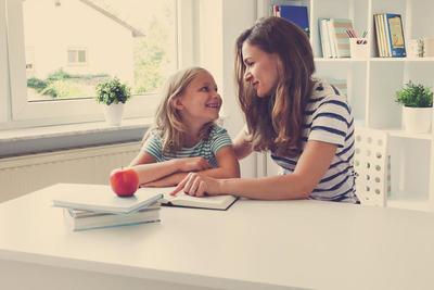 Å mestre skolen er en sterk beskyttende faktor for barn som kommer fra vanskelige familieforhold: Forskere fra RBUP ØSt og Sør og NUBU har sett på hvilke tiltak som gir best resultat for disse elevene og familiene. Foto: Illustrasjonsbilde Colourbox.